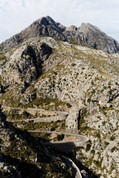 The windy road to Sa Calobra is compared to a wet spagetthi thrown on the floor